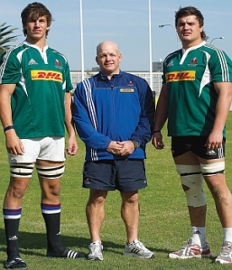 "Eben Etzebeth and Quinn Roux tower over some Western Province assistant coach who's puffing himself up like a bullfrog. ""Take a walk around my massive second row, bro."""