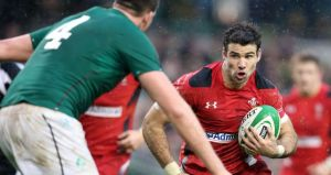 Mike Phillips challenges the Irish defense, but he was less of a threat than he has been in the last six years and spent too much of his time disputing the referee's decisions and wasting his energy after the whistle had finished play.